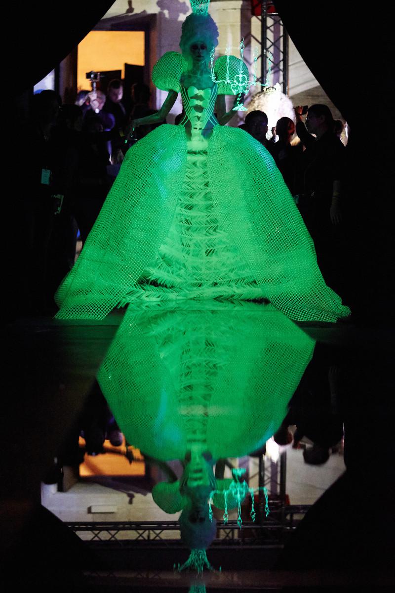 Guo Pei_Haute Couture Paris Fashion week